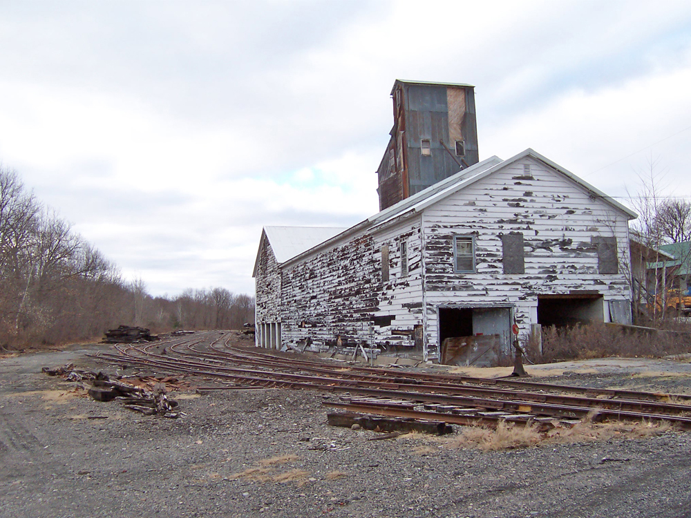 Greenwich NY on Kunstler.com - industrial desolation