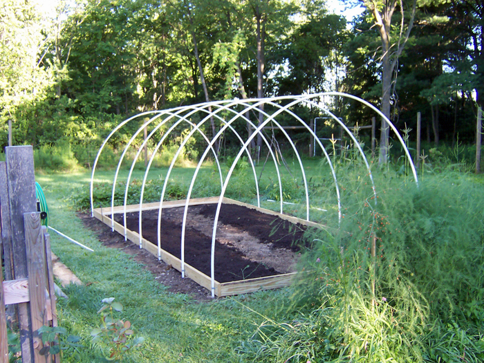 Garden_2013_hoophouse4
